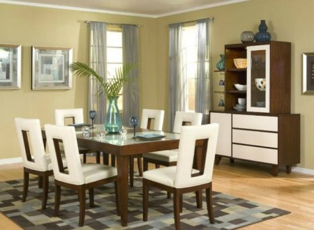 How to Find a Dining Table That Works for Your Space