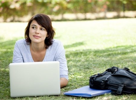 Why Online Course is The Best Way to Advance Your Career?