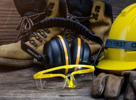 Reduce the Risks in Your Workplace with the Right PPE Equipment