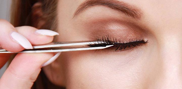 false-eye-lashes