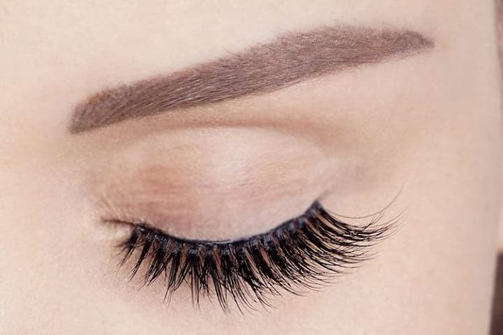 false-eyelashes-doll