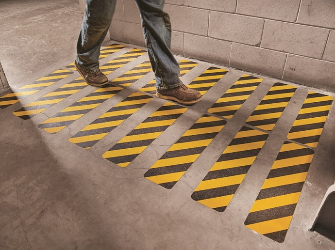 3M Safety-Walk Slip-Resistant Conformable Tape