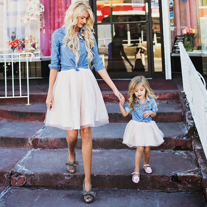 mother-and-daughter-matching-clothing